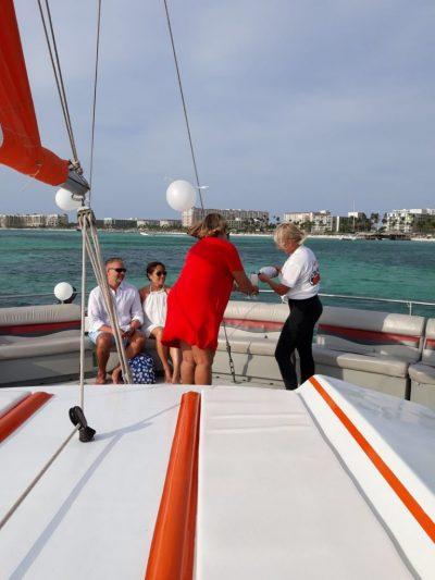 Wedding party at sailing cruise Aruba