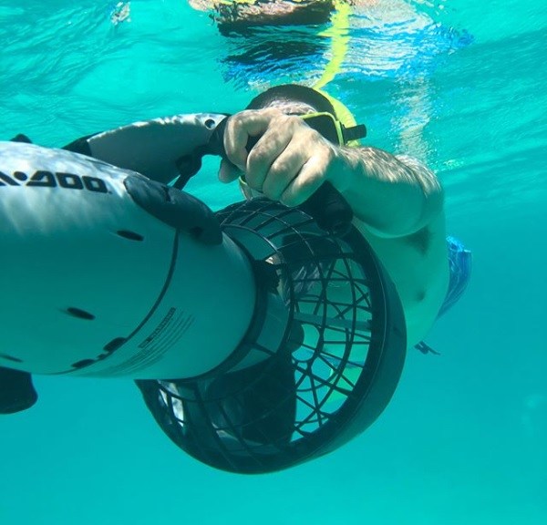 Power snorkeling to experience the Aruban Sea
